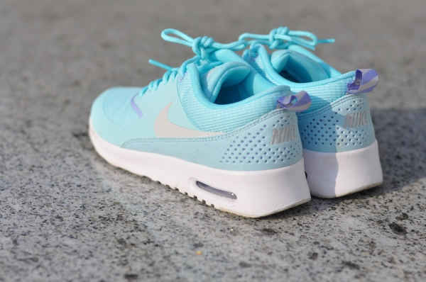 dogsanddresses_nike_thea1_zps9b64215a