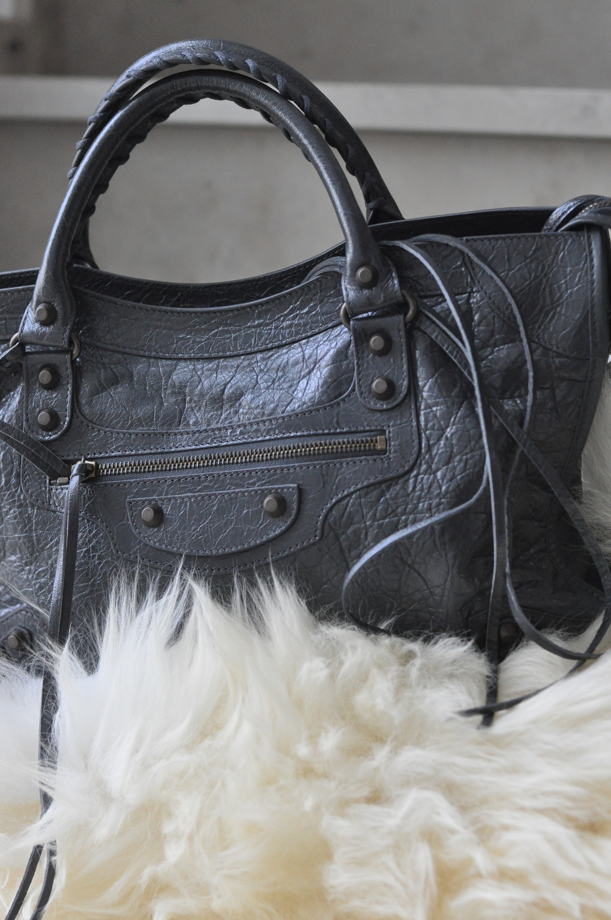 dogs and dresses blog balenciaga classic city gris grey 3