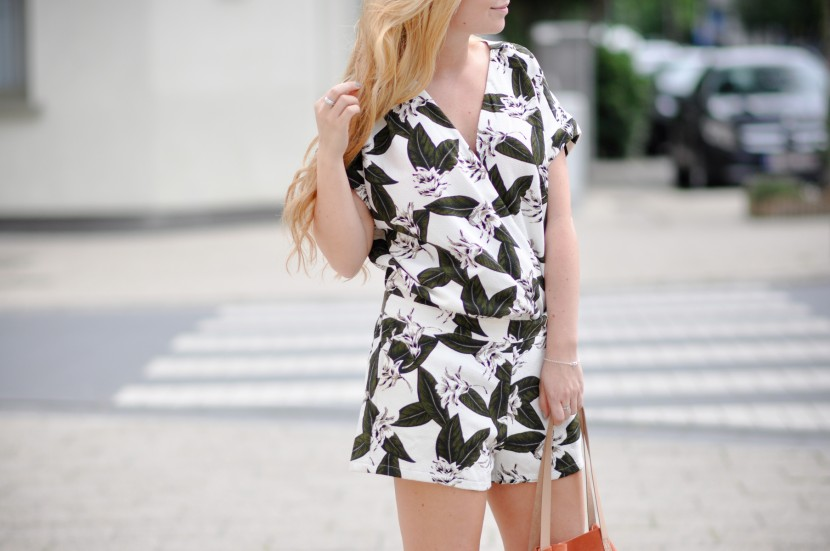 Dogs and Dresses style blog outfit summer 2015-16