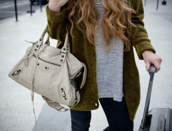 Dogs and Dresses Travel Outfit-4