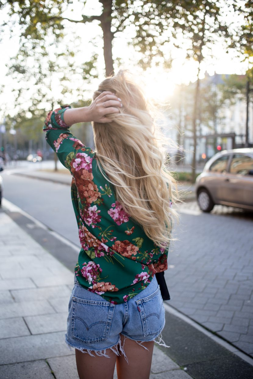 Bright Green Gucci inspired floral top from Loavies and Levi's vintage denim