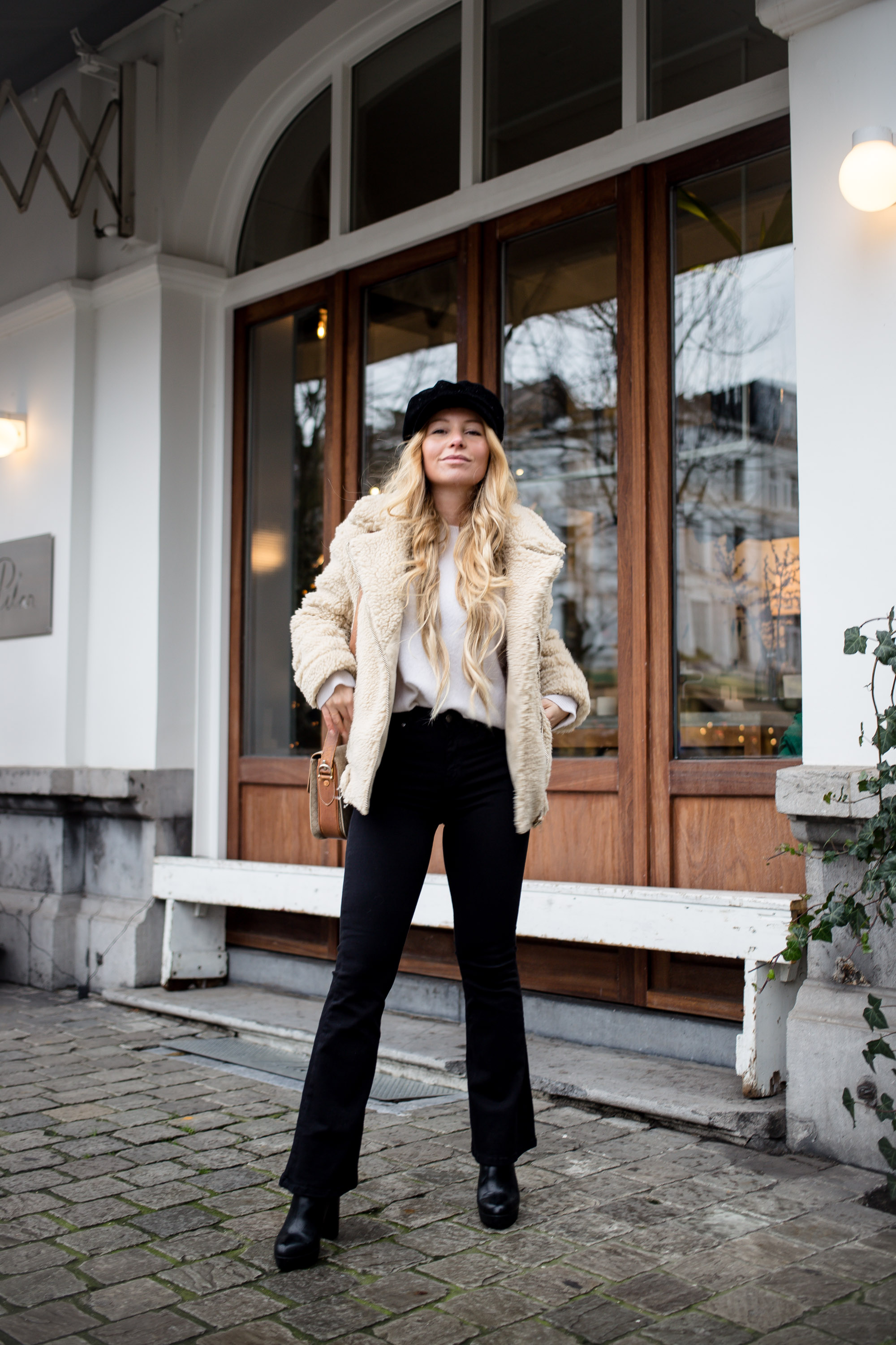 Outfit Teddy Coat and Baker Boy Cap