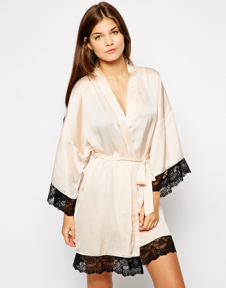 The Intimate Collection By Britney Spears Amaryllis Lace Edge Kimono