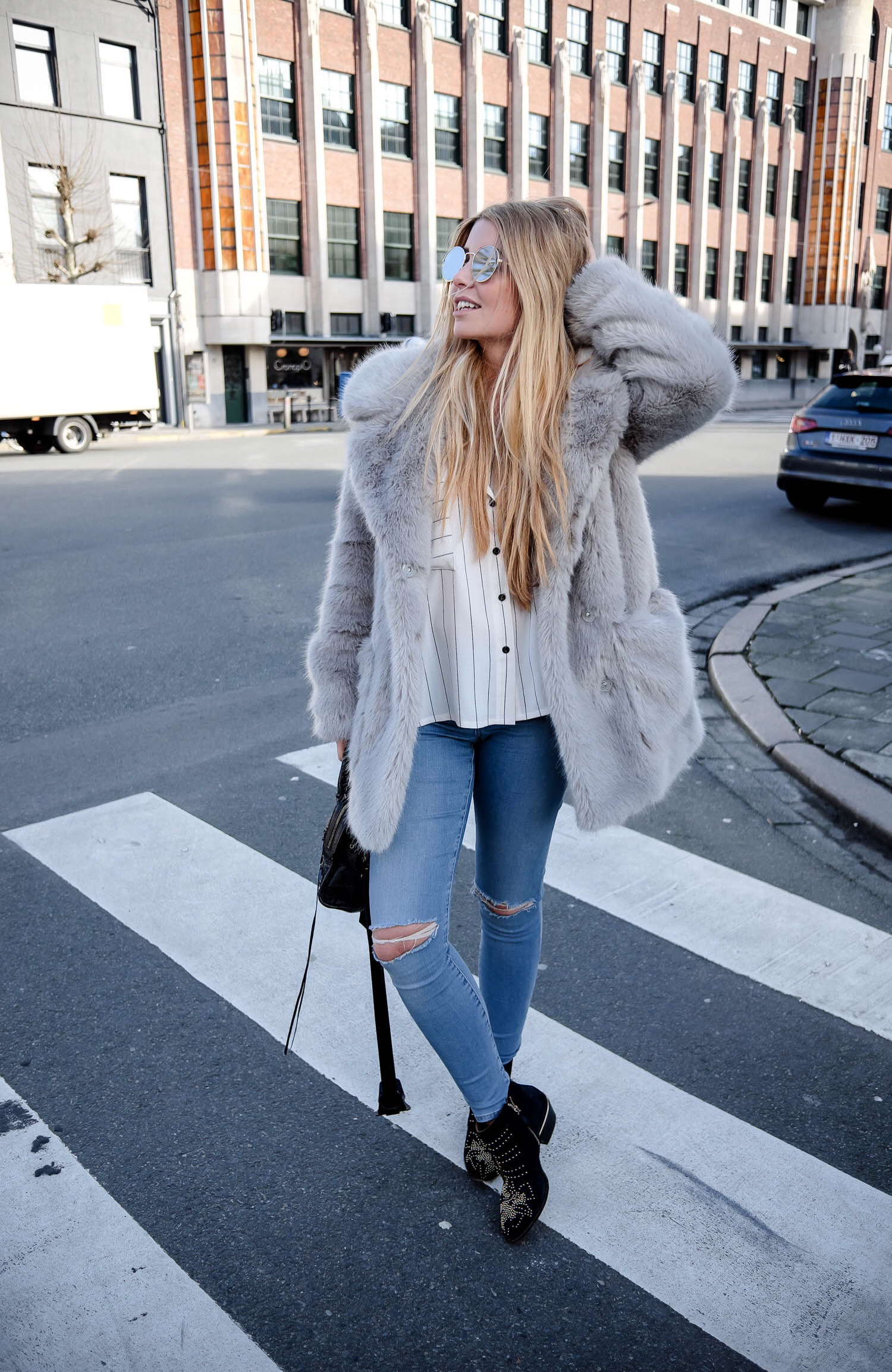 Elien Migalski from Dogs and Dresses personal style blog wears faux fur grey coat from Topshop and Chloe Susanna boots